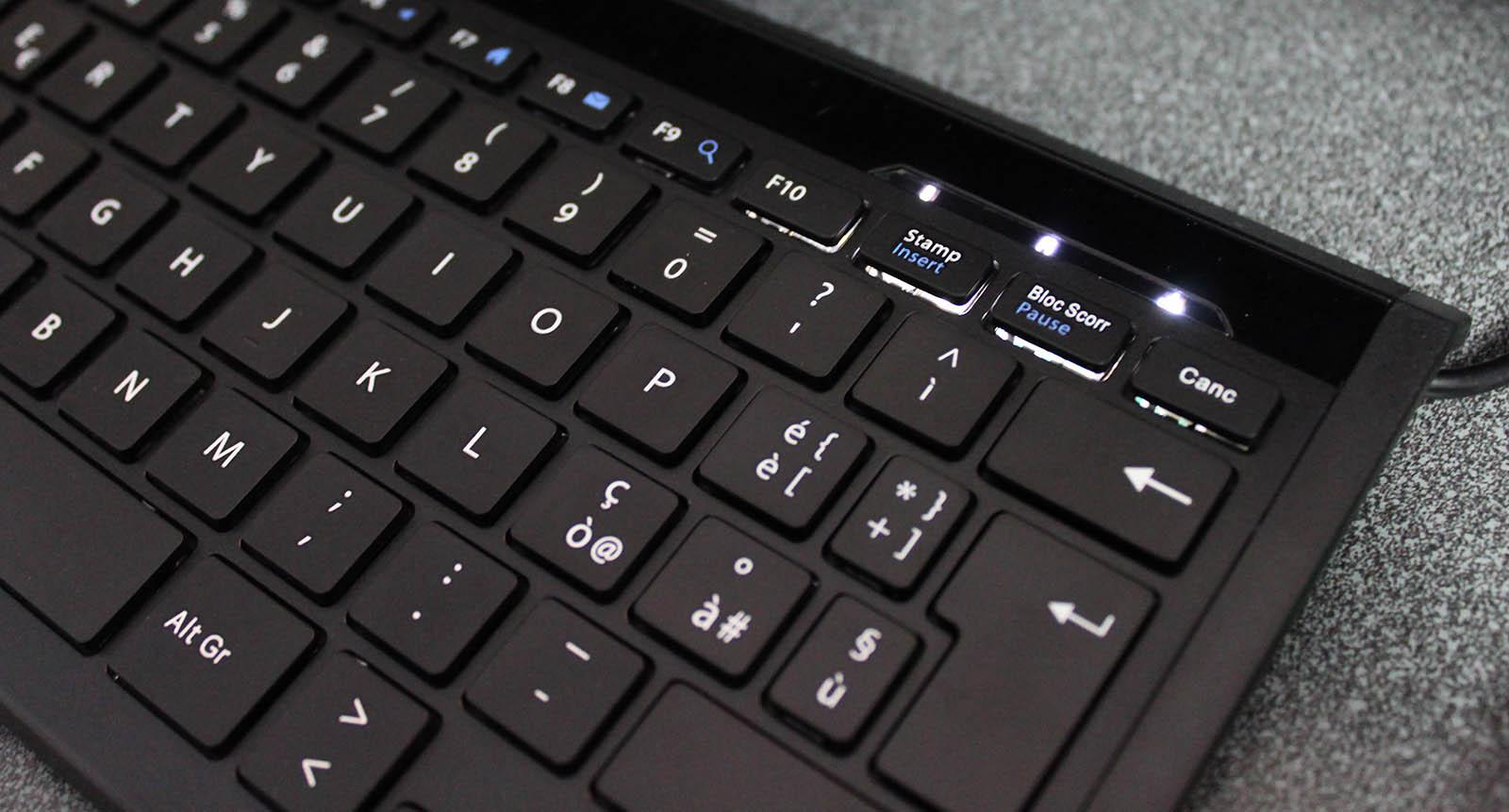 Tastiera USB Perixx Periboard-410