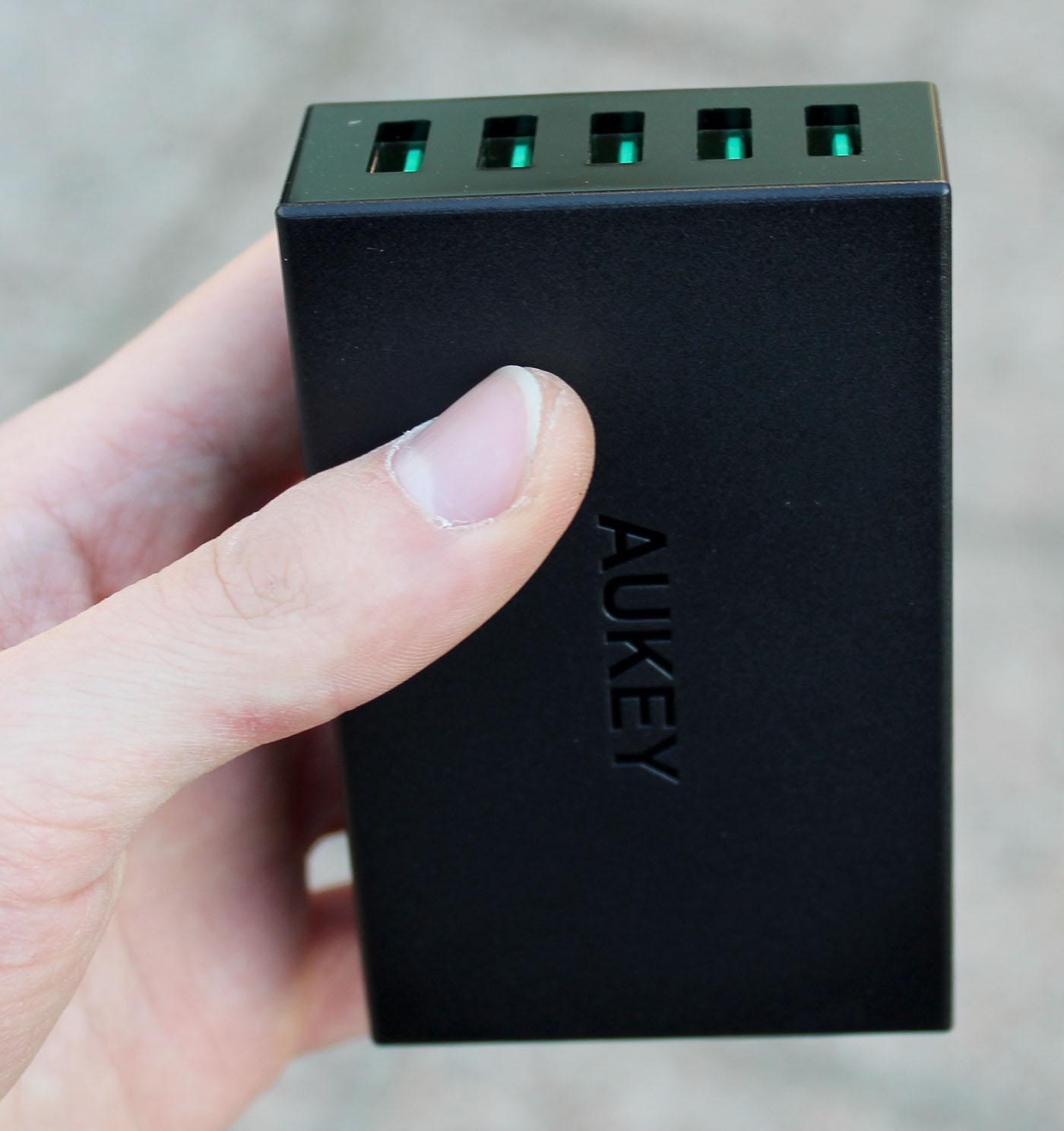 Carica a muro da 5 porte USB Aukey PA-U33
