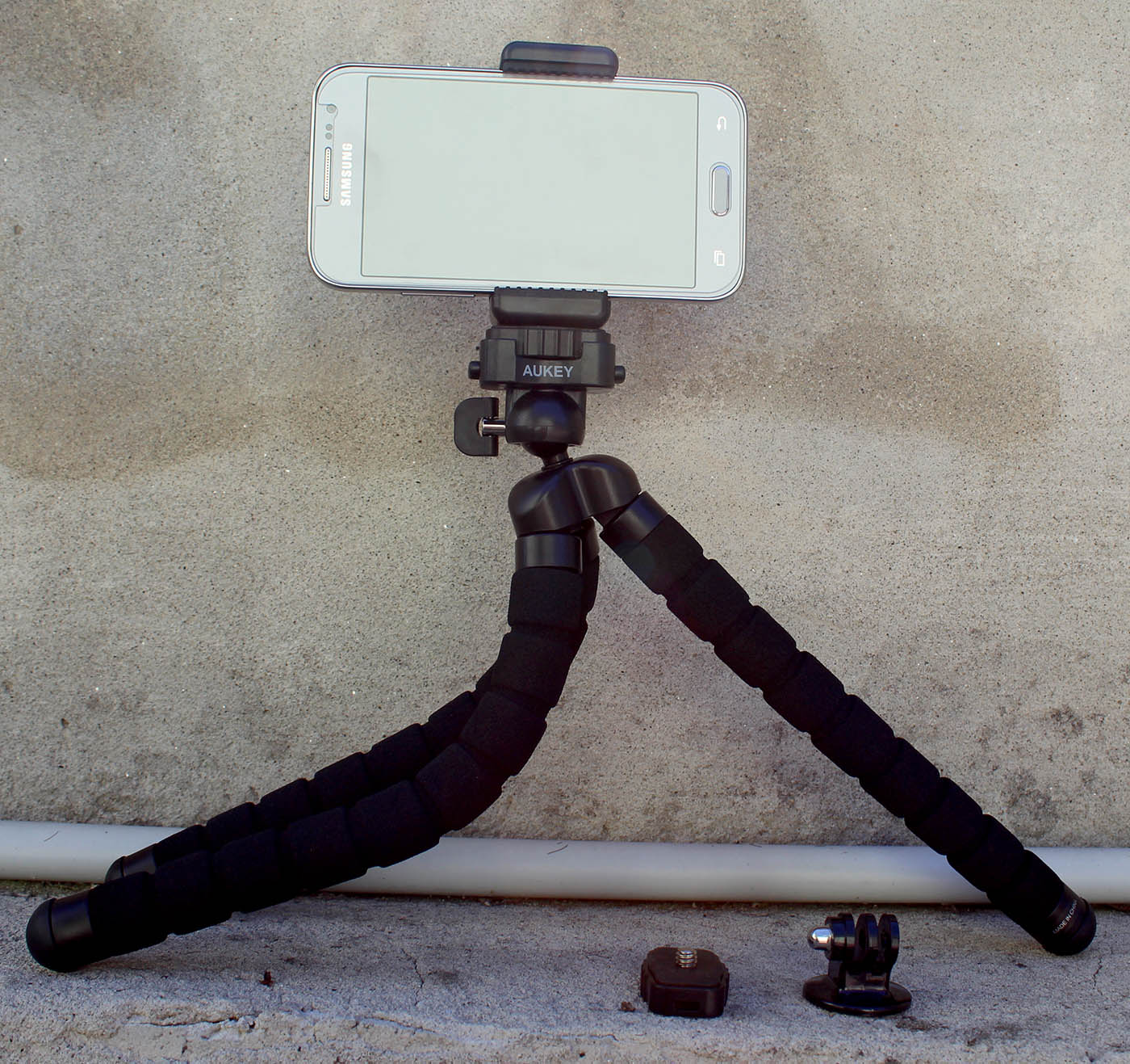 Maxi treppiede flessibile Aukey CP-T03